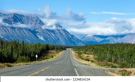 A view of the Alaska Highway in Canada between Whitehorse and Haines Junction