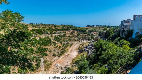 A view along the gorge as it approacjes the town of Laterza, Italy in summertime