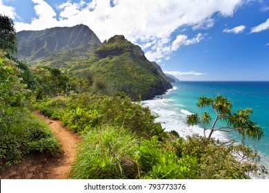 View along the Na Pali Coast from the Kalalau Trail in Kauai, Hawaii.