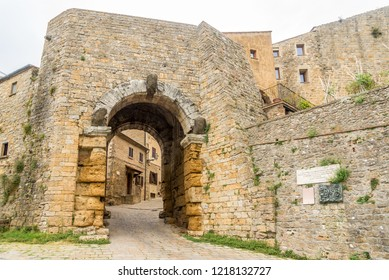 View at the Arch gate in wall of Volterra - Italy