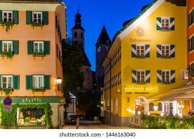 View of architecture and Liebfrauenkirche from Vorderstadt at dusk, Kitzbuhel, Austrian Tyrol Region, Austria, Europe 1-5-2019