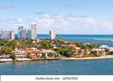 View of Atlantic intracoastal waterway and ocean at beach Florida, Fort Lauderdale