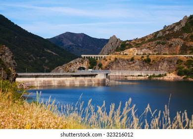 View of Barrios de Luna reservoir with dam.   Spain