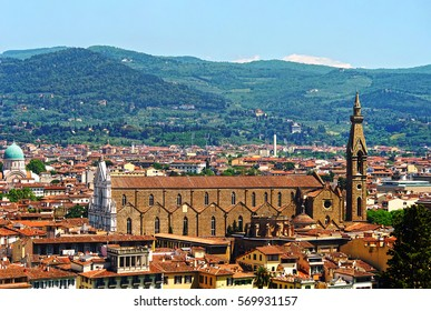A view of the Basilica of Santa Croce from the observation deck of the Boboli gardens. Florence, Tuscany, Italy