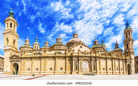View of the basilica of the Virgen del Pilar, Zaragoza, Aragon, Spain.