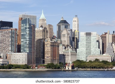 The view of Battery Park waterfront with Lower Manhattan skyline (New York).