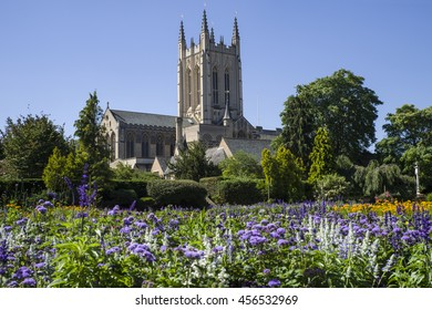 A view of the beautiful flowers in Abbey Gardens and the historic St. Edmundsbury Cathedral in Bury St. Edmunds, Suffolk.