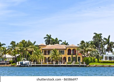 view to beautiful houses from the canal in Fort Lauderdale