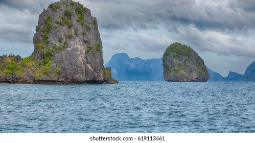 a view from  boat  and the pacific ocean  islands  background