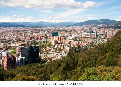 Vista de Bogotá, vista desde las montañas en el norte de la capital (Colombia)