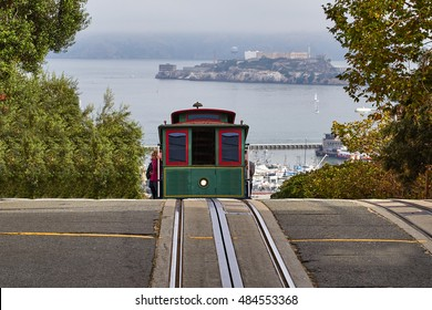 A view of a cable car in San Francisco