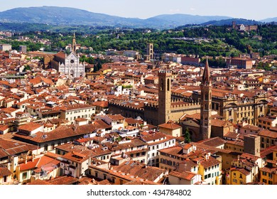 The view from Campanula Giotto (bell tower), visible to the national Museum of the Bargello, the Basilica of Santa Croce. Florence, Tuscany, Italy
