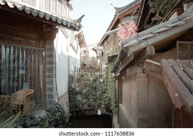View of a canal in the Old Town of Lijiang (Yunnan, China)