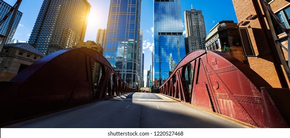 View of Chicago downtown bridge and buiding
