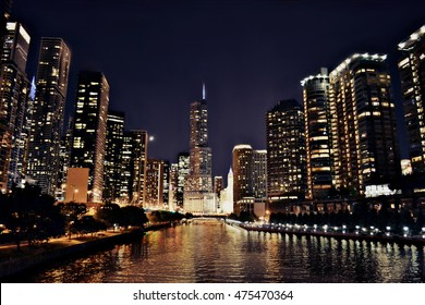 A view of Chicago at night