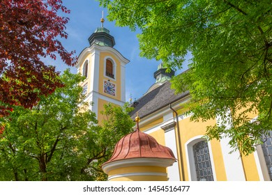 View of Chirch (Barocke Pfarrkirche) in St Johann, Austrian Alps, Tyrol, Austria, Europe 1-6-2019