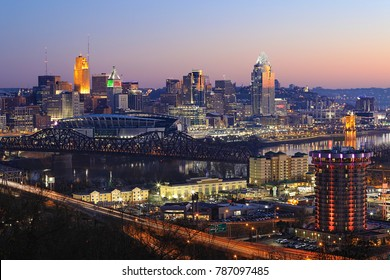 A View of the Cincinnati city center at dusk