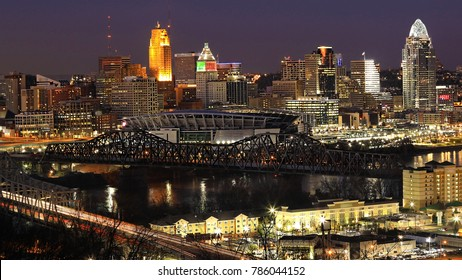 A View of the Cincinnati, Ohio skyline at night