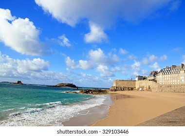 """View of the city of Saint-Malo from """"the Môle des noires"""" (Brittany France)"""