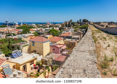 View of city walls and old town of Rhodes (Rhodes, Greece)