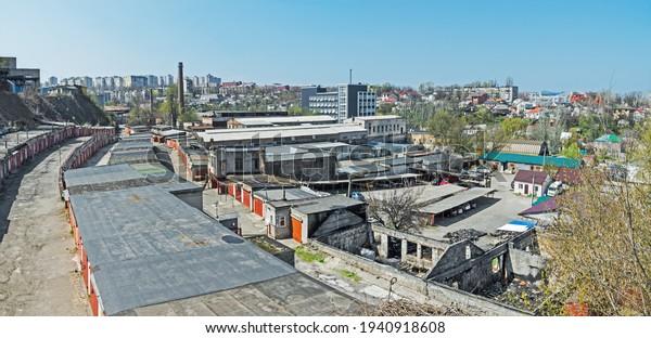 view-city-where-old-intermingles-600w-19