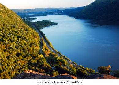 A view from a cliff trail gives a splendid view of the Hudson River and the Hudson Highlands