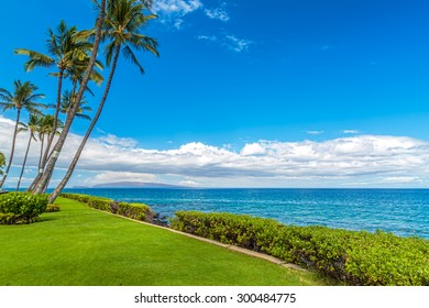A view from the coastline of Kihei on Maui, Hawaii, with the island of Kahoolawe on the horizon