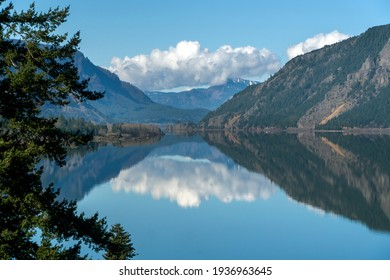 View of the Columbia River looking downstream from Mitchell Point in Hood River Oregon.