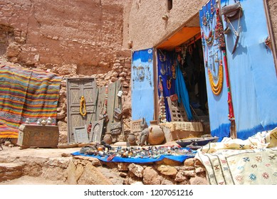View of craft stalls at Kasbah Ait Ben Haddou near Ouarzazate in the Atlas Mountains of Morocco. UNESCO World Heritage Site since 1987.