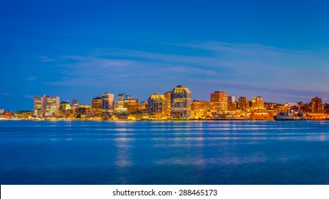 View of downtown Halifax from Dartmouth with the waterfront, Purdy's Wharf and other modern towers. Halifax, Nuova Scotia, Canada.