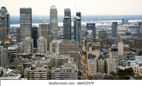 View of the downtown of Montreal fron the Mont-Royal