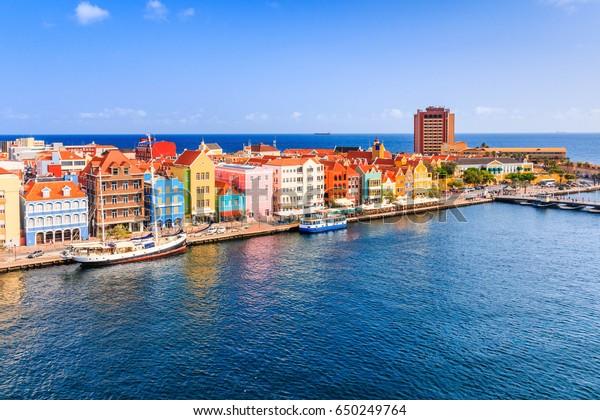 Aussicht auf die Innenstadt von Willemstad. Curacao, Niederländische Antillen