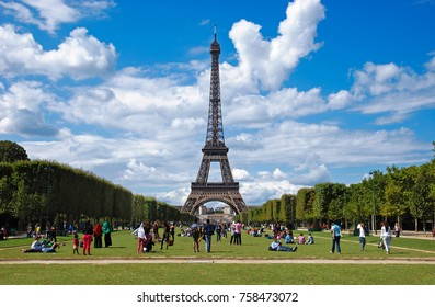 View to Effel Tower in Paris