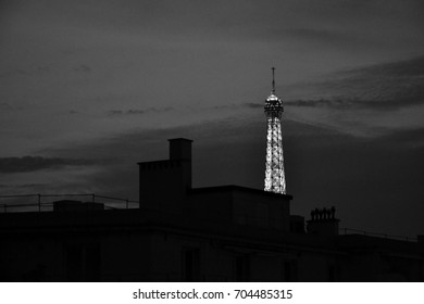 View of the Eiffel tower at night, august 2017 27th.