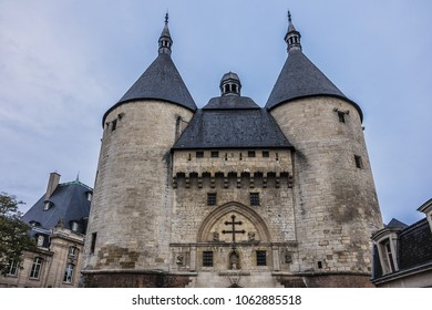 View of famous Porte de la Craffe Old Town of Nancy. Porte de la Graffe was erected in second half of fourteenth century, during the reign of Duke John I of Lorraine. Nancy, Lorraine, France, Europe.