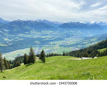 View of the fertile valley with settlemens between the Lakes Alpnachersee and Sarnersee from the Pilatus massif, Alpnach - Canton of Obwalden, Switzerland (Schweiz)