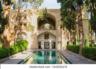 View of the Fin Garden or Fin Bagh near the persian city of Kashan. Water is one of the key elements in the persian gardens. Iran, Middle East, Asia