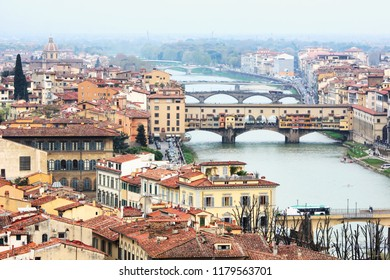 View of Florence from Piazzale Michelangelo with focus on Ponte Vecchio.