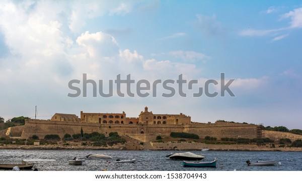 view-fort-manoel-valletta-malta-600w-153