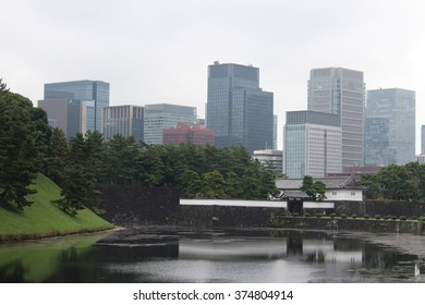 A view of the gate of the Tokyo Imperial Palace
