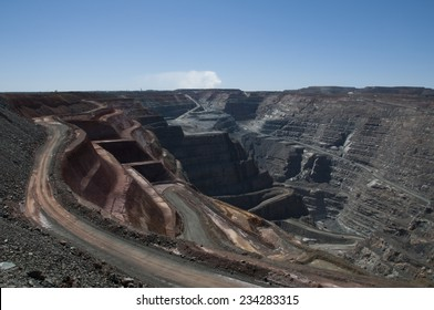 Kalgoorlie Gold Mine Images, Stock Photos & Vectors
