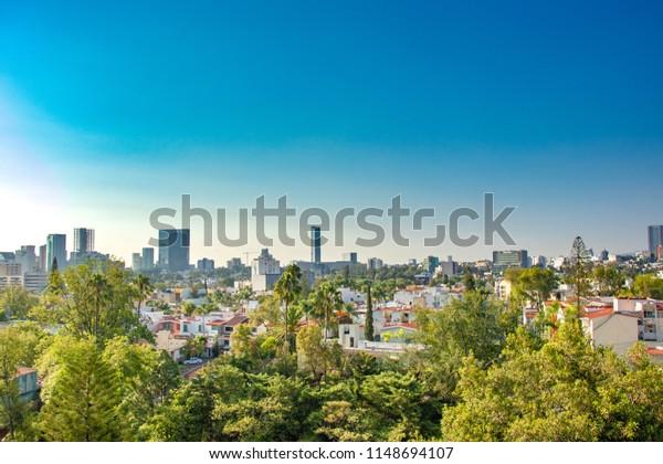 Vista de Guadalajara, Jalisco, México en un día soleado.