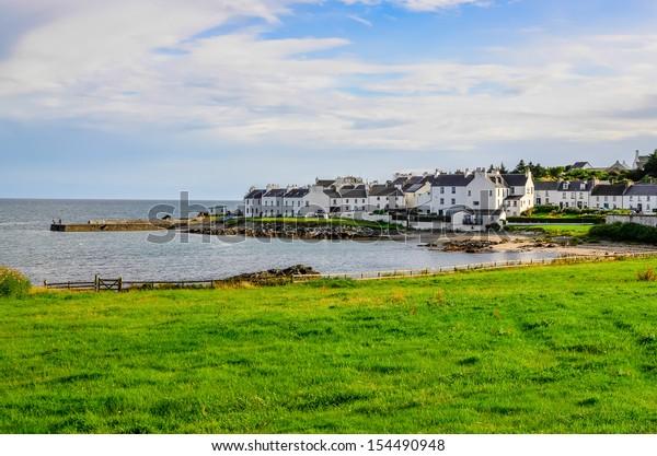 スコットランドのアイレイ島の港湾と町の港シャーロットの眺め
