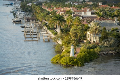 View of the Harbour Island part of Tampa, Florida and waterfront.