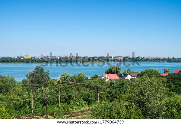 view-hill-river-outskirts-industrial-600