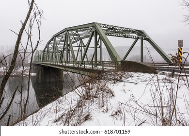 the warren truss bridge
