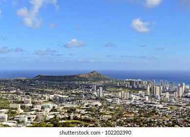 A view of Honolulu and Diamond Head from Puu Ualakaa State Park.