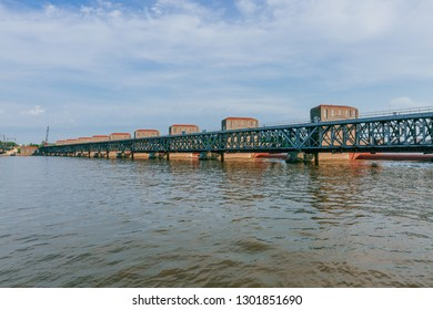 View of hydroelectricity plants over Mississippi River in Davenport, Iowa, USA