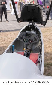 View into the cockpit of a sailplane