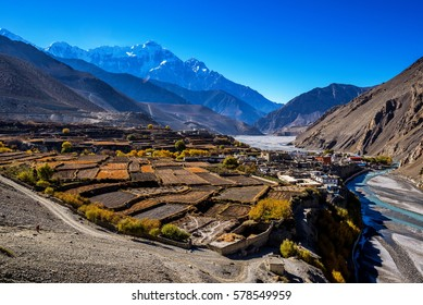 View of Kagbeni from the road between Tangbe and Kagbeni, Mustang, Nepal.